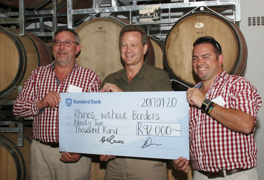 Linton Park cheque hand over to Rhinos Without Borders